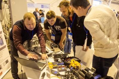 В «Россети Ленэнерго» представили отечественные разработки для диагностики электросетевого оборудования