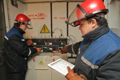 «Ленэнерго» полностью восстановило электроснабжение потребителей в Калининском районе